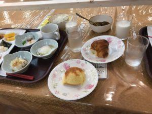 定山渓ホテル朝食メロンパンが美味しい