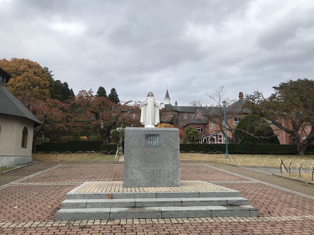 トラピスチヌ修道院天使園マリアさま像