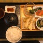 栗山でサラリーマンランチ、サラメシ「さくら亭」で日替りランチ750円をいただく