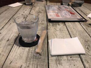 ヒッピーズ札幌_テーブル